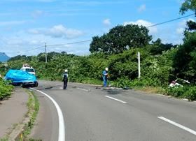 伊達の道道で対向車と衝突2人死亡、乗用車炎上