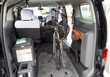 「自転車まるごとタクシー」に乗せられた自転車(近江タクシー提供)