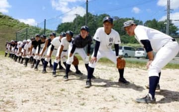 初の全国大会へ意気込む新庄高軟式野球部