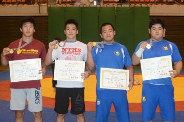 各階級優勝選手。左から日下尚、西田衛人、白井達也、宮本海渡
