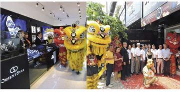 ホーチミン市3区で18日、腕時計「オリエント」ブランドの専門店がオープンした。セレモニーでは、店の内外でベトナム式の獅子舞が演じられた