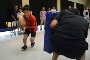 ラグビー、ハンドボールの魅力をPR 来年、熊本で国際大会 観戦ポイントなど紹介 [熊本県]