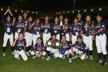 3位決定戦でコールド勝ちし、3位に輝いたU-12日本代表【写真:Getty Images】