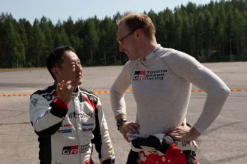 豊田章男社長、WRC連勝を喜ぶも「安心して全力で走れるクルマをつくる責任果たせていない」