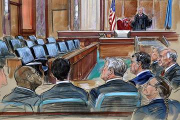 米バージニア州アレクサンドリア連邦地裁で、マナフォート被告(手前左から4人目)や弁護士に話し掛けるエリス判事(奥)のスケッチ=17日(AP=共同)