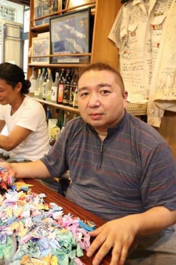 被爆地に折り鶴を届ける活動を始めた加藤さん=横須賀市