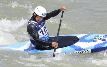 男子スラローム・カナディアンシングル 予選5位で準決勝に進んだ羽根田卓也=マジャレンカ(共同)