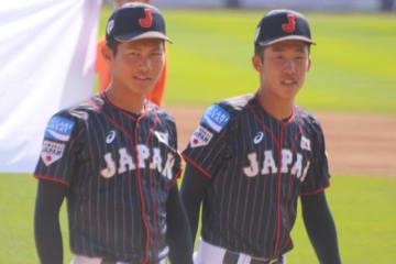 昨年も2年生ながらU-18代表に選出されていた大阪桐蔭・藤原(左)、報徳学園・小園【写真:Getty Images】