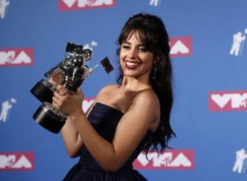 8月20日、ニューヨークで「MTV・ビデオ・ミュージック・アワード」の授賞式が行われ、カミラ・カベロ(写真)の「ハバナ」が「最優秀ビデオ賞」に輝いた - (2018年 ロイター/Carlo Allegri )