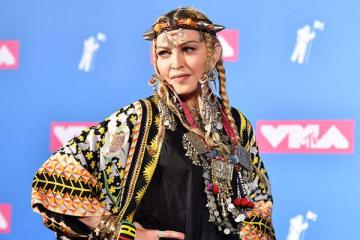 MTVビデオ・ミュージック・アワードに登場したマドンナ(写真:AFP/アフロ)