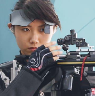 女子ライフル3姿勢予選 11位で敗退した清水綾乃=パレンバン(共同)