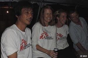 2014年、シエラレオネの活動でチームとともに