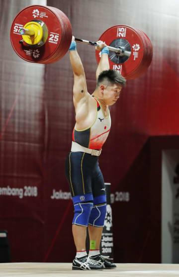 男子69キロ級 ジャークで178キロに成功した宮本昌典=ジャカルタ(共同)