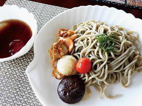 Sea級グルメ全国大会に出品されるヤヤン昆布うどん。麺には道産小麦、宮古の塩、室蘭産ヤヤン昆布を使用している