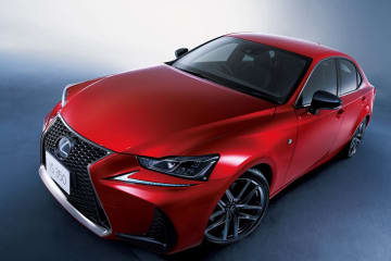 """LEXUS、GS、IS、CT、LX、RX、NXに国内累計販売台数50万台達成記念特別仕様車""""Black Sequence""""を設定"""