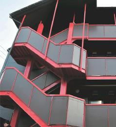 遺棄場所となったマンション=仙台市青葉区
