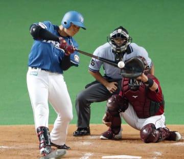 3回日本ハム1死三塁、清宮が右前に適時打を放つ。捕手嶋=札幌ドーム