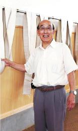 コーチを務める相撲部の活動場所を確認する熊谷さん