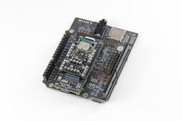 ソニーのスマートセンシングプロセッサ搭載ボード「SPRESENSE」とロームが提供する拡張ボード。幅広い電子工作が可能