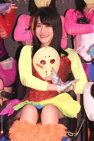 仮面女子カフェのイベントに登場した「仮面女子」の猪狩ともかさん