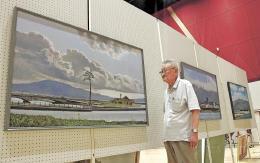 伐採直前の「奇跡の一本松」を描いた作品と熊谷さん