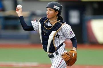 【女子W杯】洞察力、配球、強肩、決勝打…日本を決勝に導いた捕手・船越を支える「余裕」