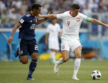 ロシアW杯では、欧州屈指の点取り屋レヴァンドフスキともマッチアップした槙野 photo/Getty Images
