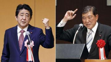 名古屋市で開かれた自民党所属の愛知県議らとの会合であいさつする安倍首相(左)と、浜松市の党会合で講演する石破元幹事長=30日午後