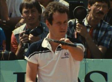 伝説のテニス選手、ジョン・マッケンロー - Courtesy of Oscilloscope Laboratories.