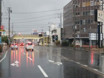 大雨警報が出ている福井市街地=9月1日、福井県福井市