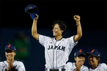 【女子W杯】日本が前人未到の6連覇 先発・里は3大会連続MVP「みんなで勝ち取った勝利」