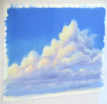 販売される山本二三さんの雲の絵