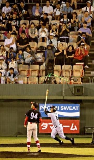 日本代表・根尾選手の豪快な打撃などが観客を沸かせた野球のU18アジア選手権=3日午後、宮崎市・KIRISHIMAサンマリンスタジアム宮崎