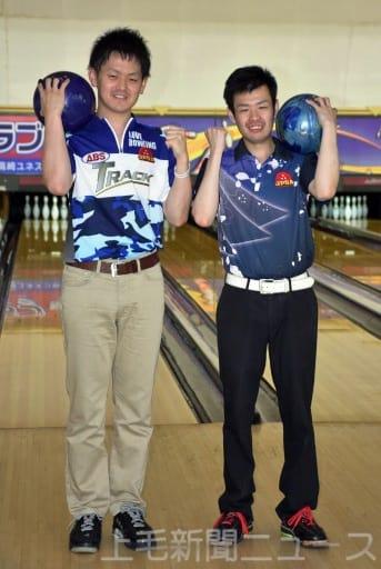 群馬から10年ぶりのプロボウラーとなった佐藤(左)と福田