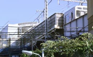 視覚障害がある男性がホームから転落する事故があった東急大井町線下神明駅=5日午後、東京都品川区