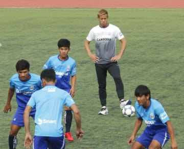 Soccer: New GM Honda leads Cambodia in practice for 1st time