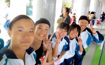 団体として初の競泳日本学生選手権に挑む愛媛大水上競技部の女子メンバー(提供写真)
