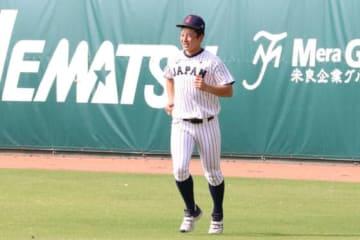 ランニングやキャッチボールなどで調整を行った侍ジャパンU-18代表・吉田輝星【写真:福谷佑介】