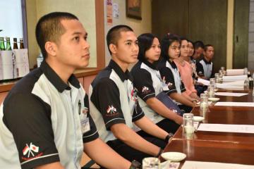 串間市内であった歓迎式に出席したインドネシア技能実習生たち