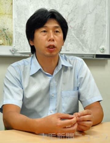 北海道の地震や本県での備えなどについて話す若井教授