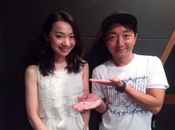 増田菜穂子さん(左)と野島