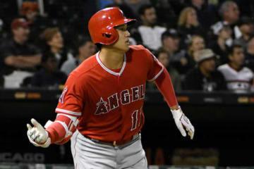 詰まりながらも本塁打を放ったエンゼルス・大谷翔平【写真:AP】