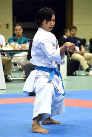 世界大学選手権の女子個人形で初優勝した同大3年の清水那月(神戸市立中央体育館)