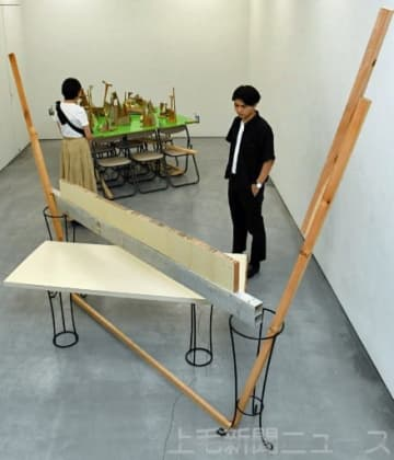 白川さんの立体作品「夏に出現した」