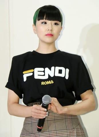 「フェンディ ピーカブー ~世代を超えて受け継がれるアイコン~」展の内覧会・トークショーに登場したゆう姫さん
