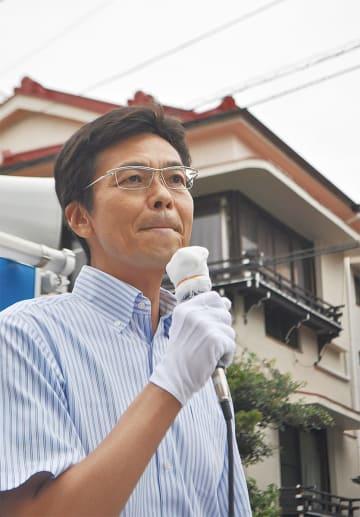 公約を語る斉藤市長(2日)