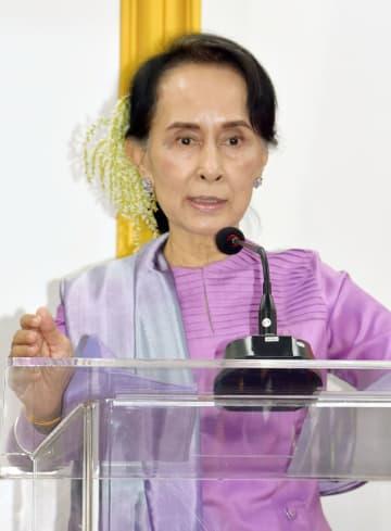 顔:Myanmar leader Aung San Suu Kyi in Naypyidaw in 2018, 2018021400498