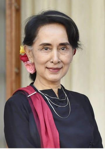 ミャンマーのアウン・サン・スー・チー国家顧問兼外相(ゲッティ=共同)