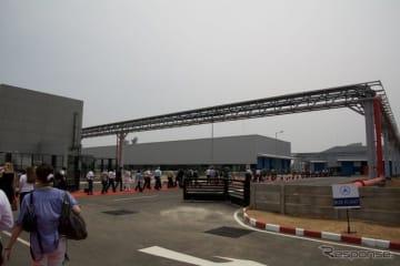 DICVのオラガダム工場内に新たに開設したバス生産工場