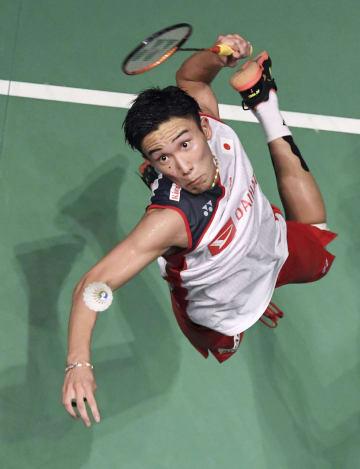 男子シングルス準決勝でビクトル・アクセルセンを破った桃田賢斗=武蔵野の森総合スポーツプラザ
